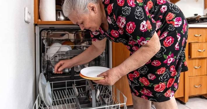badante anziana lecco aes domicilio